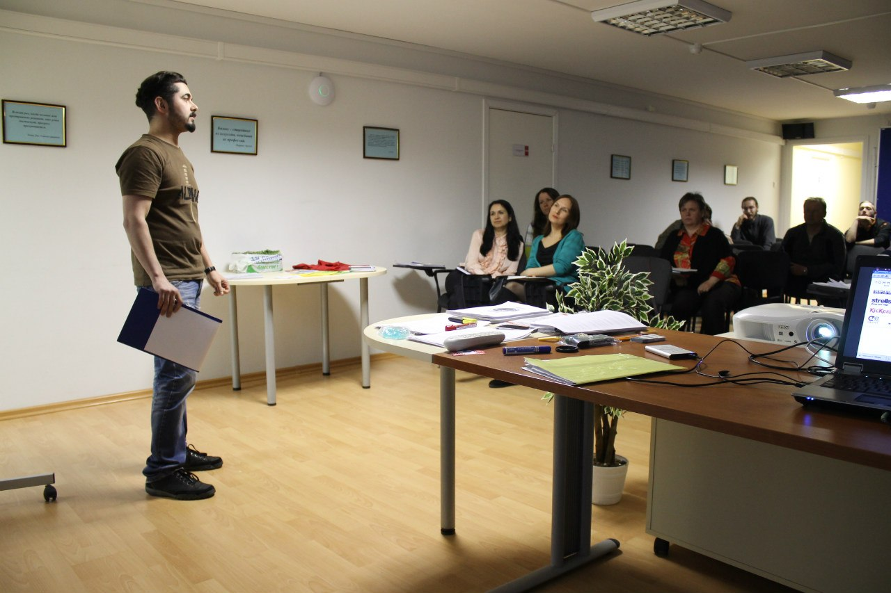 Тренинг «Начнающий Предприниматель» - Апатиты (апрель), день третий. Олег рассказывает про логотипы